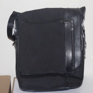 Tumi Arrive Galeao Messenger Laptop Bag Ballistic